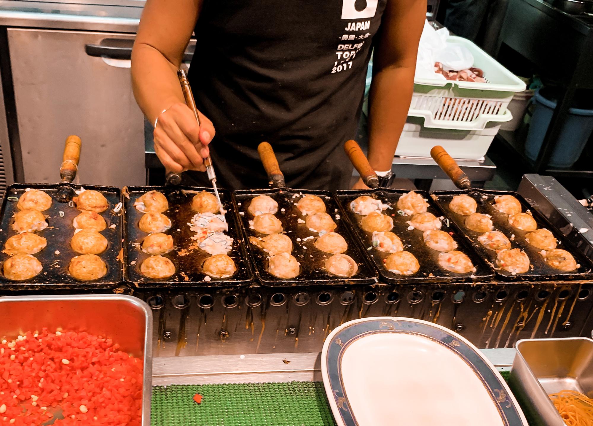 street food in Osaka - Takoyaki